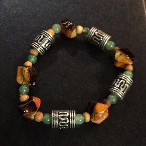 Jewelry - Pretty multi colored bracelet